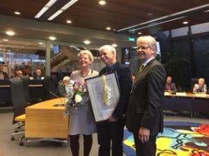 Erik en Betsy Nobel met burgemeester Jos Penninx
